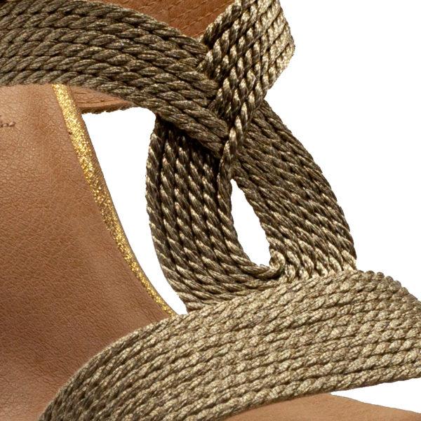 Pinki con tacón y tejido trenzado con brillo