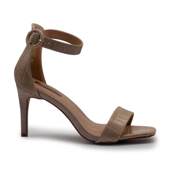 Sandalia de coco con pulsera y tacón alto