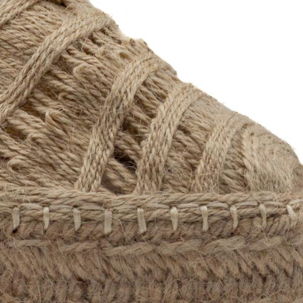 Sandalia de plataforma con cuerdas y punta cerrada,todo de yute