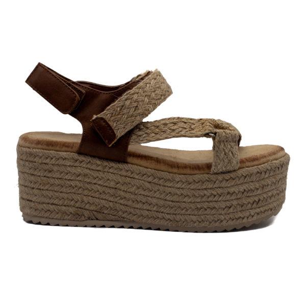 Sandalia de plataforma dos tiras combinada con rafia con corte y forro sintético