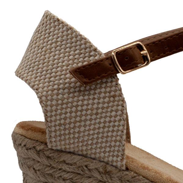 Sandalia mujer con cuña de esparto lisa y atada al tobillo