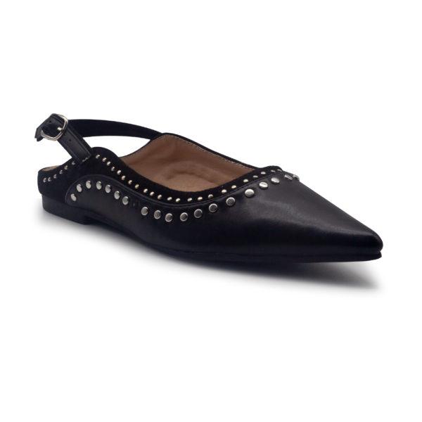 Zapato plano destalonado con tachuelas