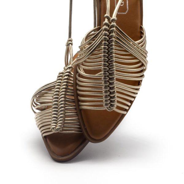 Sandalia plana metalizada de cuerdas