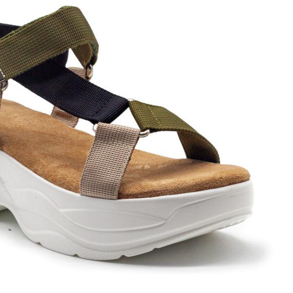 Sandalia con plataforma y tiras nylon