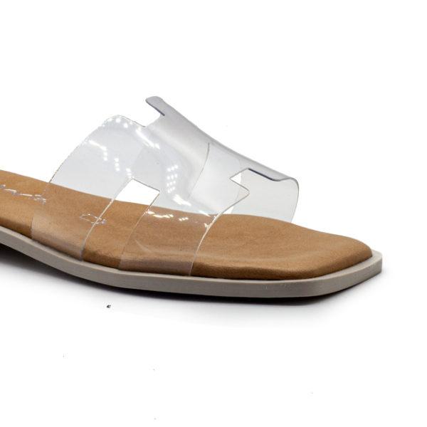 sandalia plana de vinilo