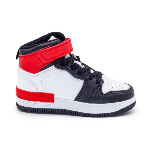 Bota deportiva con cordones estilo Jordan su cierre es de velcro y cordones elásticos.